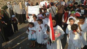 Muslim Brotherhood using children as human chields and force them to wear shrouds